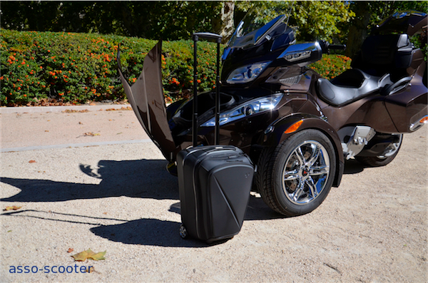 essai can am spyder rt limited se5 trois roues ultime asso scooter. Black Bedroom Furniture Sets. Home Design Ideas