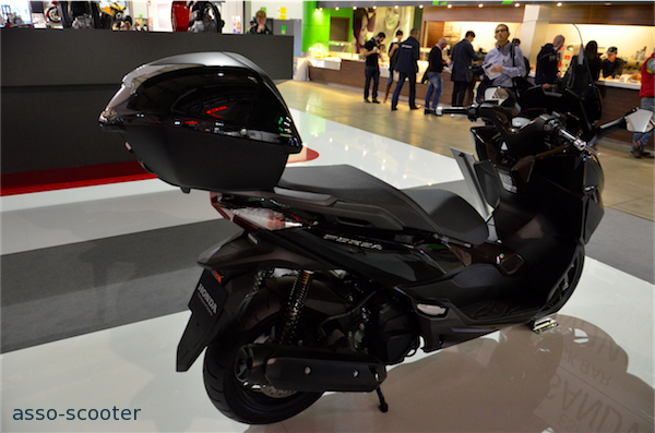 eicma 2014 honda saga sh forza 125 et 300 integra. Black Bedroom Furniture Sets. Home Design Ideas