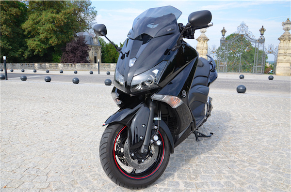 essai t max 530 sport l amour du sport terriblement asso scooter. Black Bedroom Furniture Sets. Home Design Ideas